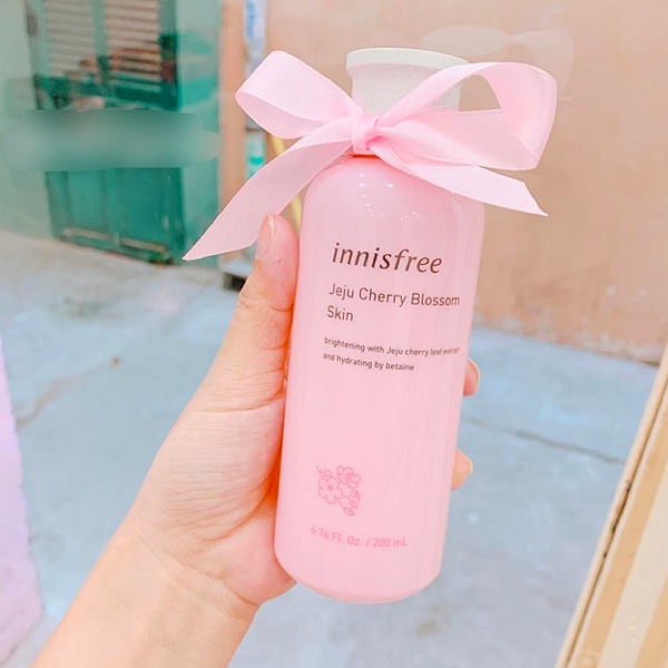 nuoc-hoa-hong-innisfree-jeju-cherry-blossom-skin-200ml-2